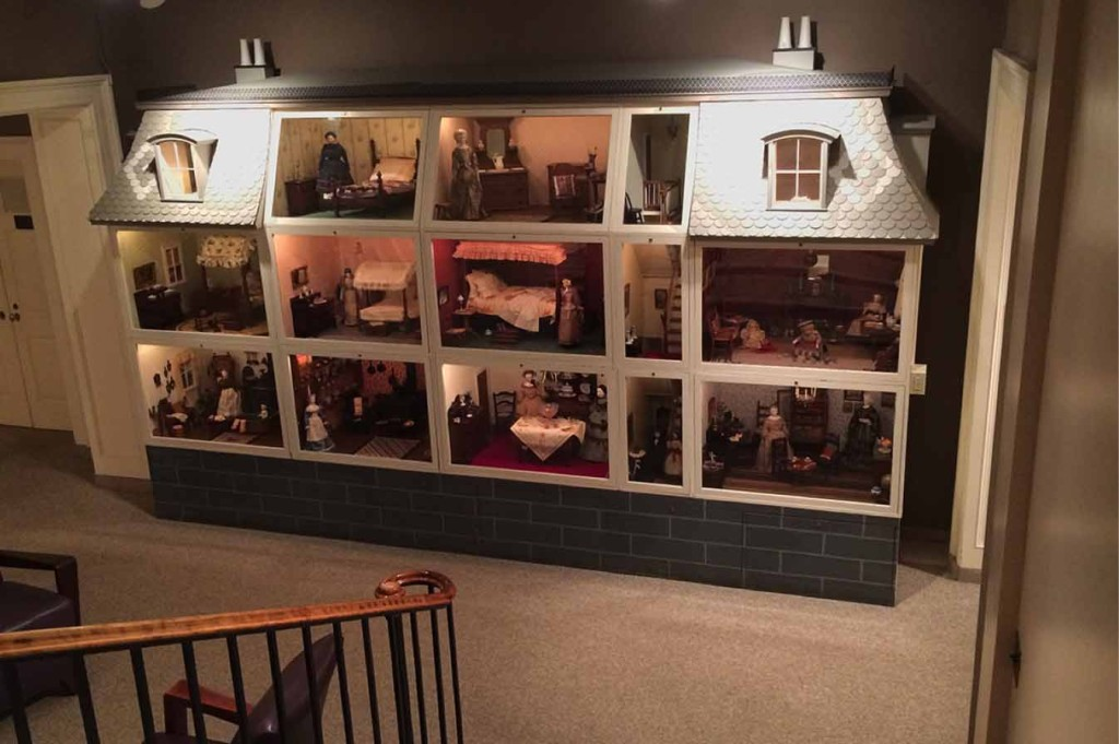 Hawthorne Doll House