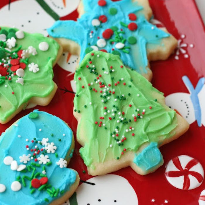 Decorate Winter Sugar Cookies